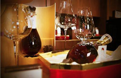 col bt bg cognac embassy 013