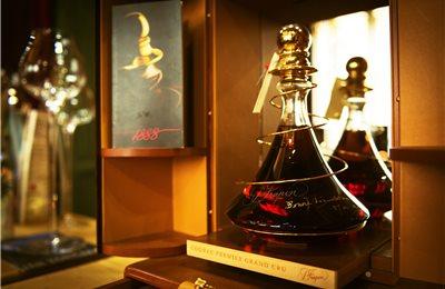 col bt bg cognac embassy 019